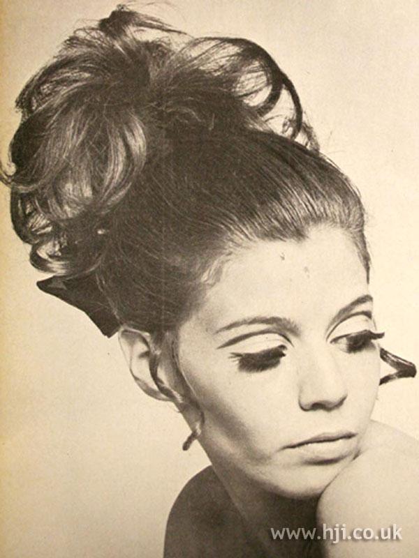1968 updo curls1