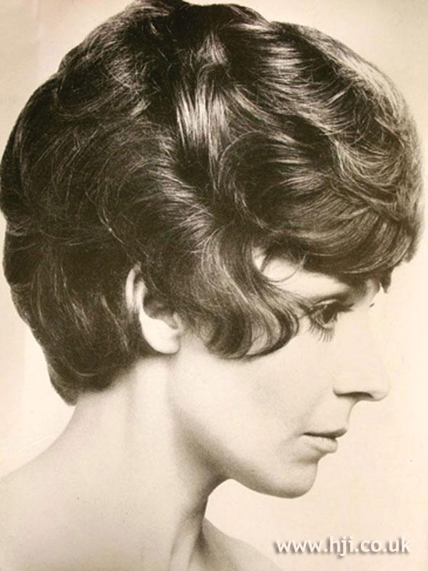 1960s waved bob with volume