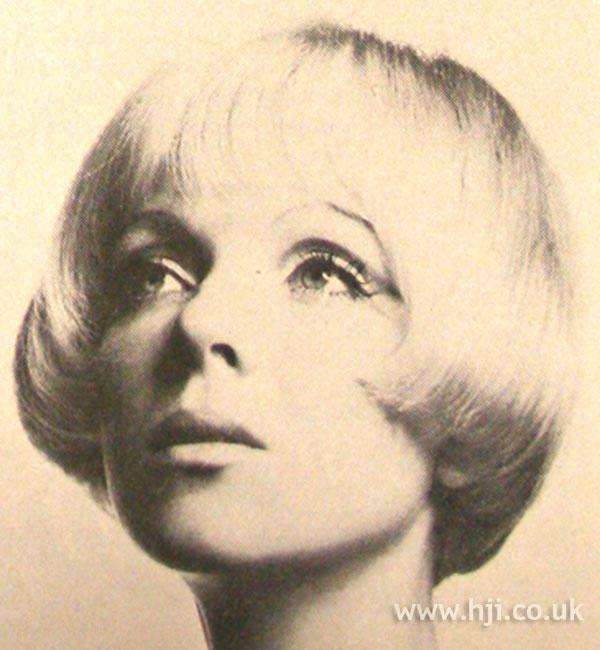 1969 blonde bob hairstyle