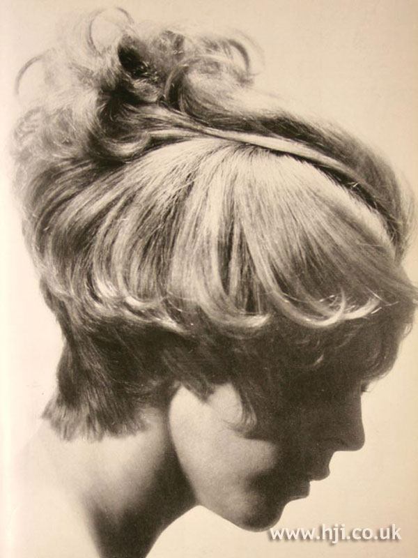 1969 blonde cropped