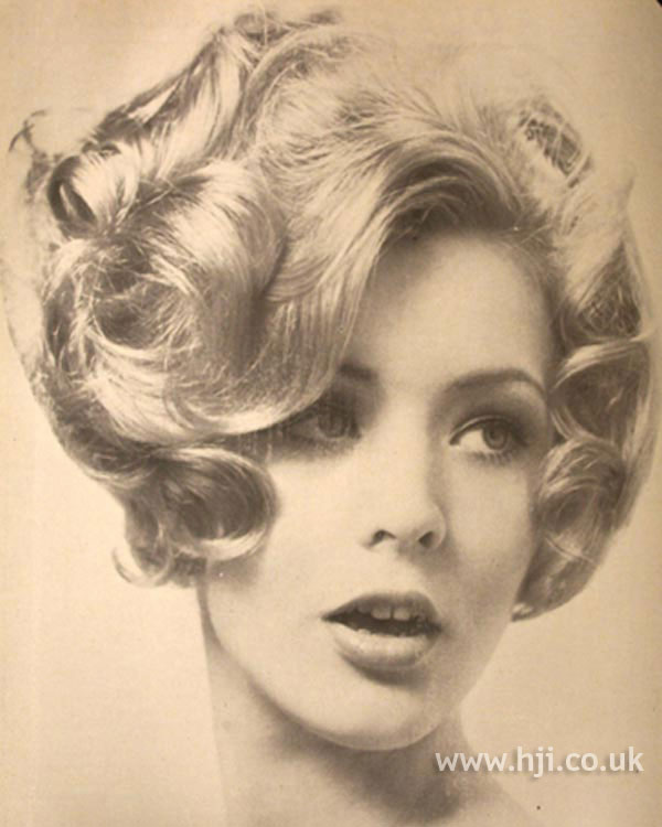 1969 blonde curls hairstyle