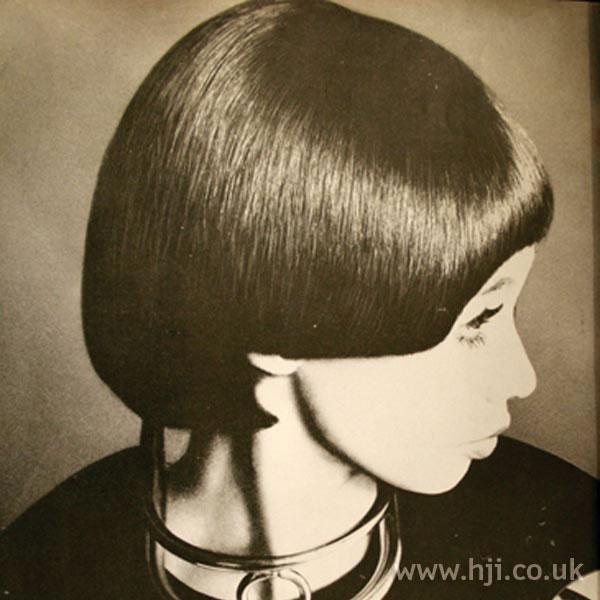 1969 brunette bob hairstyle