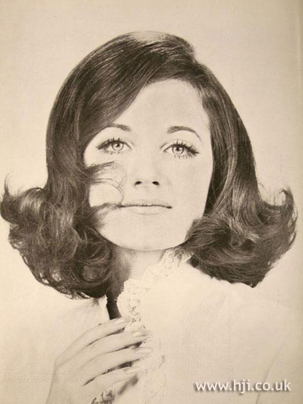 1969 brunette mid