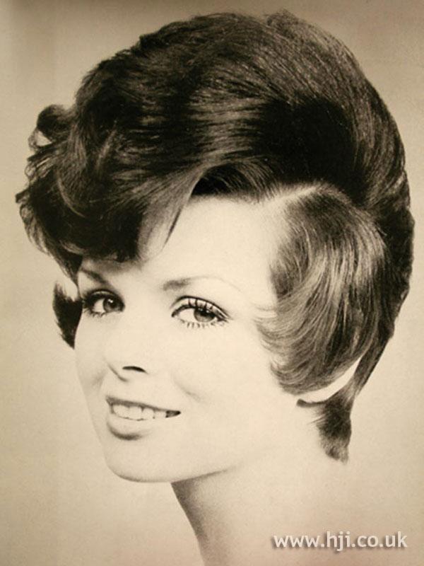 1960s brunette bob with quiff