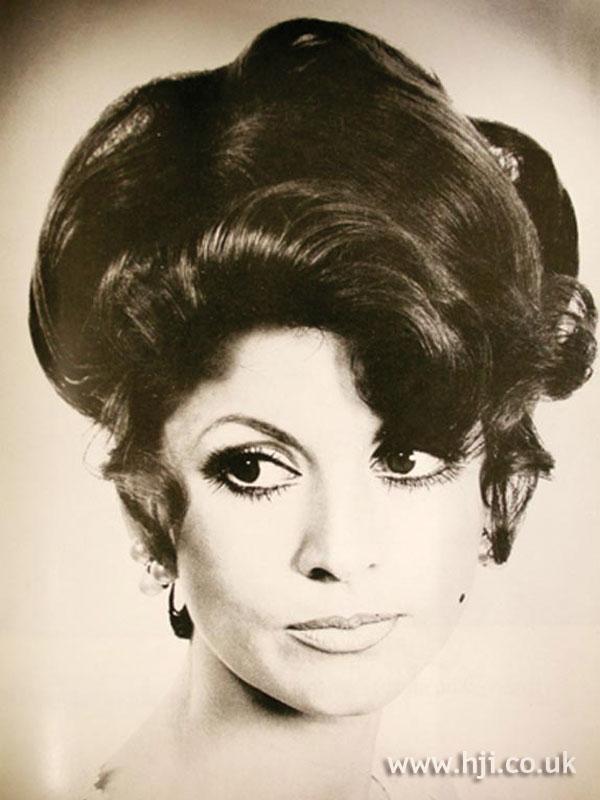 1969 brunette quiff1