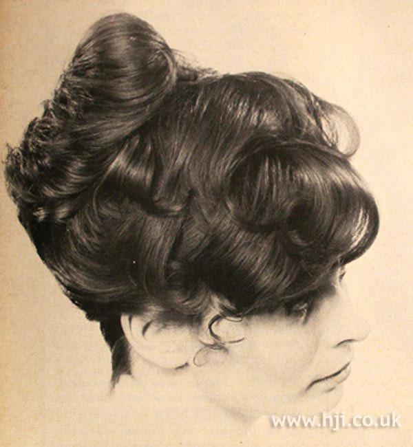 1969 brunette updo3