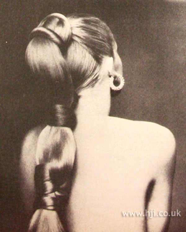 1960s bubble ponytail
