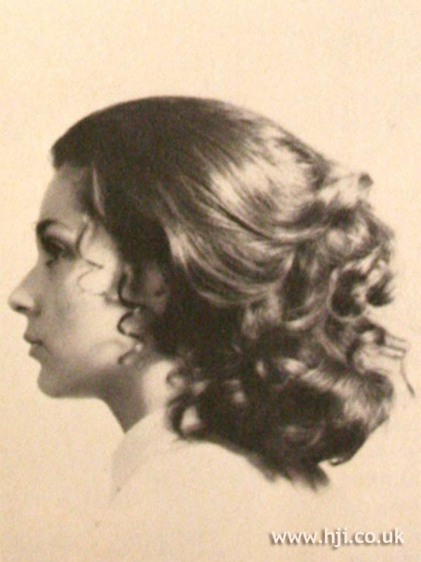 1969 mid length curls hairstyle