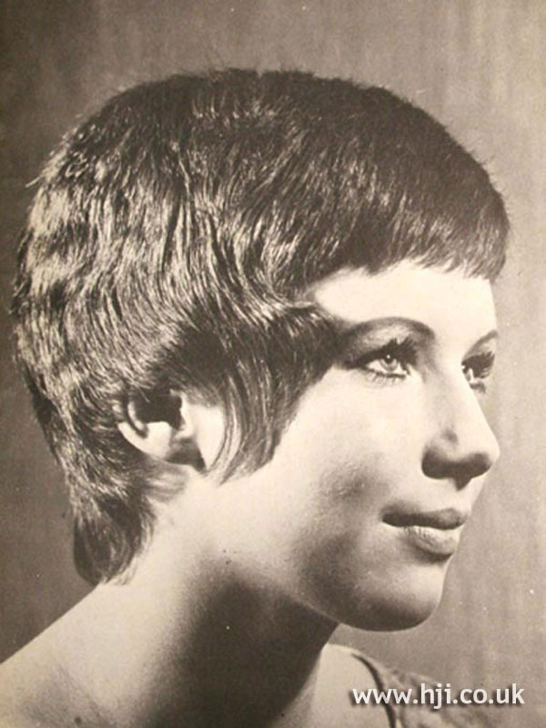 1960s layered crop hairstyle