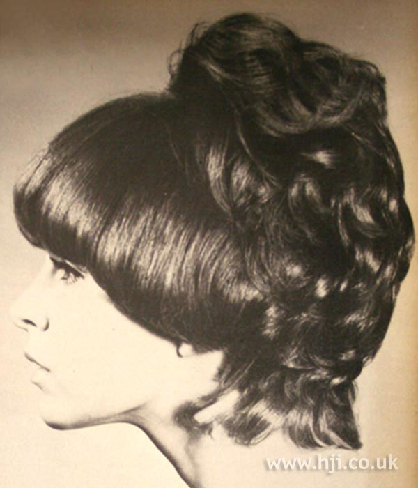 1960s curly fringe hairstyle