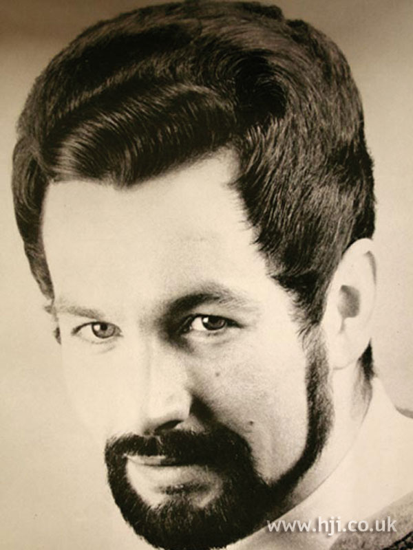 1960s wavy men's hairstyle