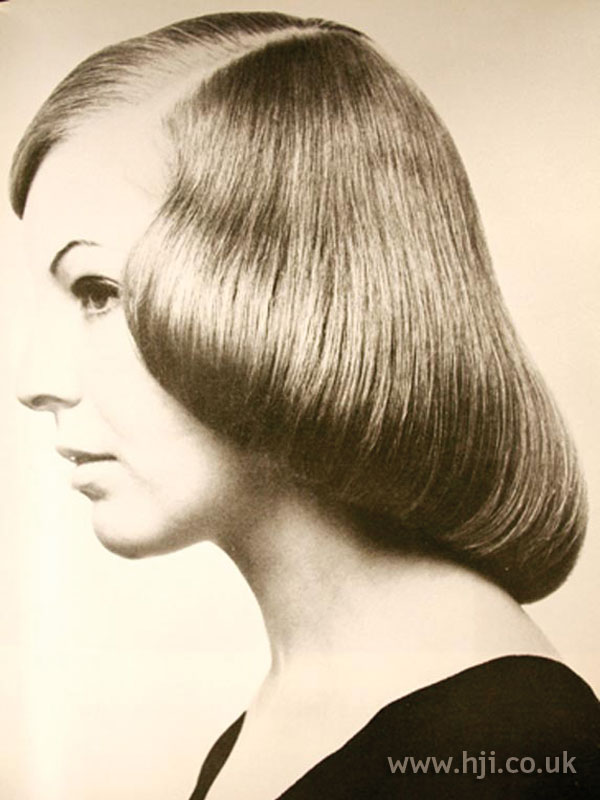 1969 smooth pageboy hairstyle