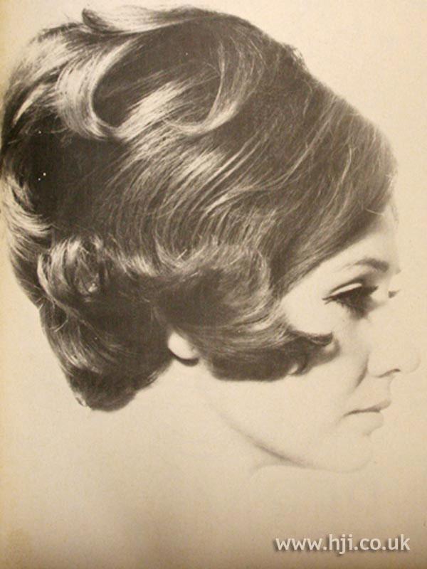 1960S voluminous bob