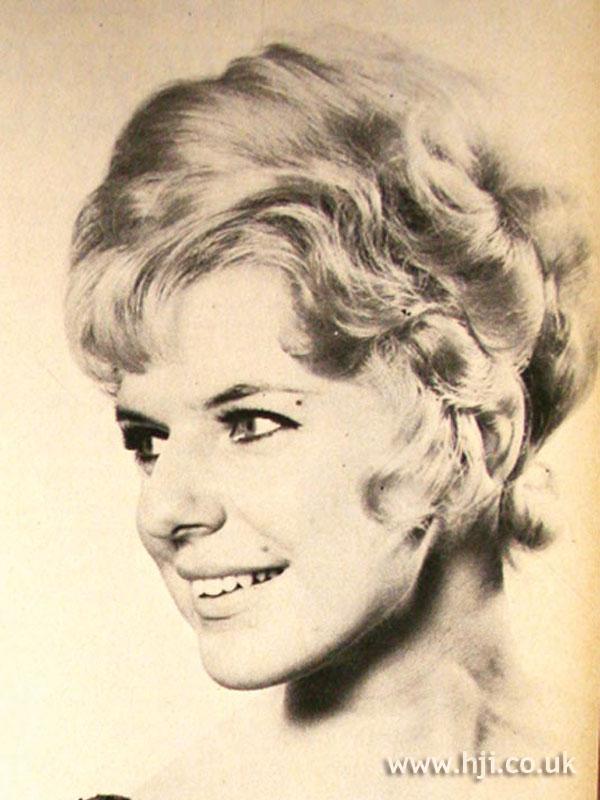 1969 waves blonde1