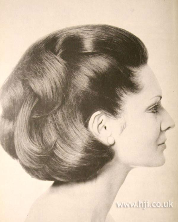 1969 waves brunette