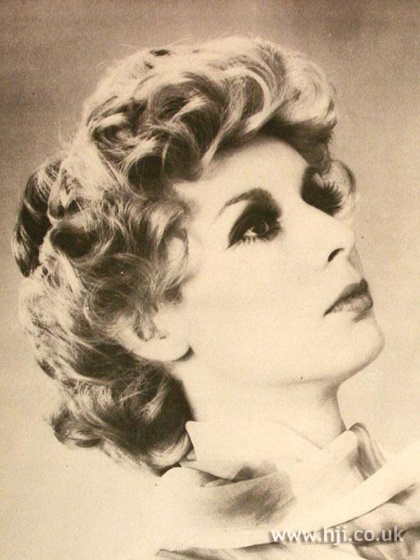1971 blonde curls hairstyle