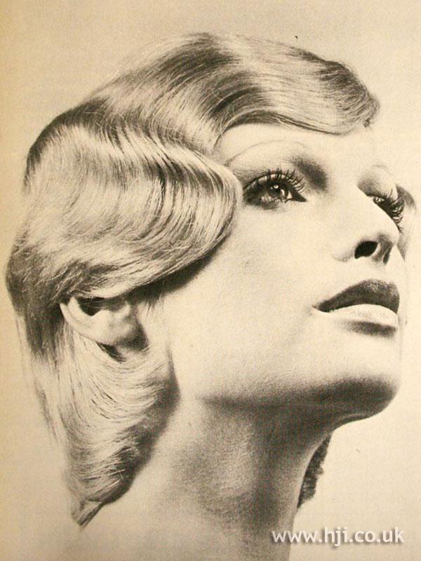 1970s blonde fingerwaved bob