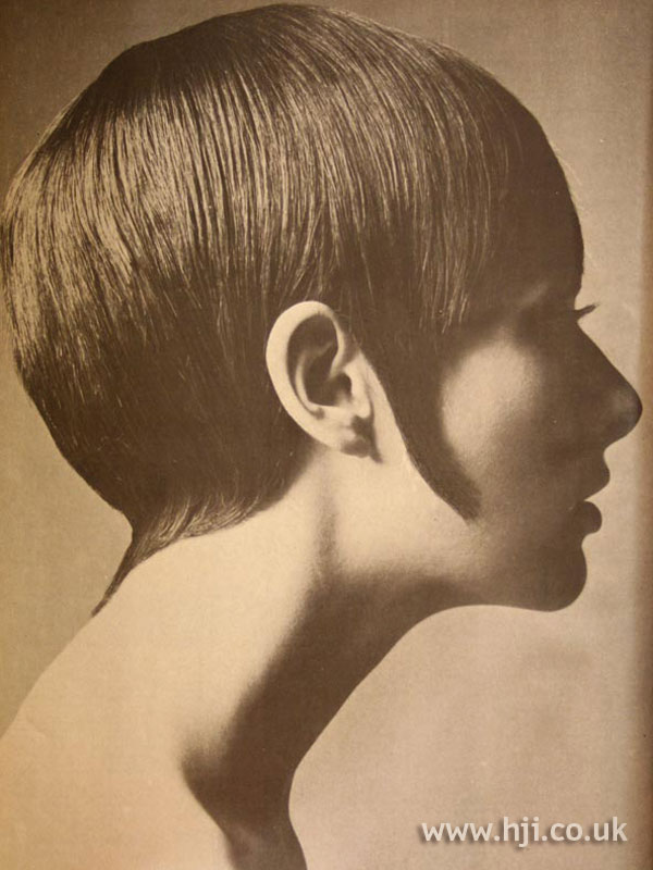 Sleek 1970s crop hairstyle