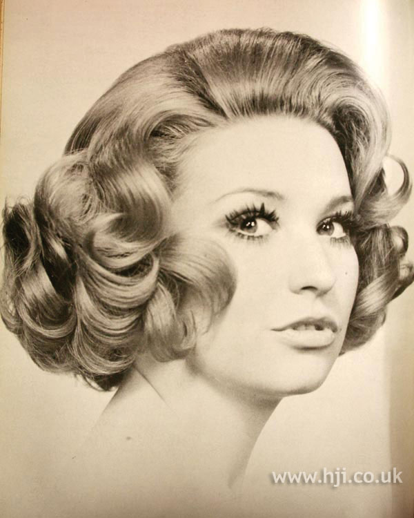 1970s curly bob hairstyle