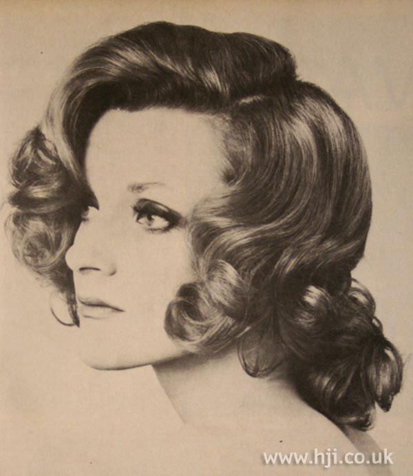 Voluminous 1970s curls
