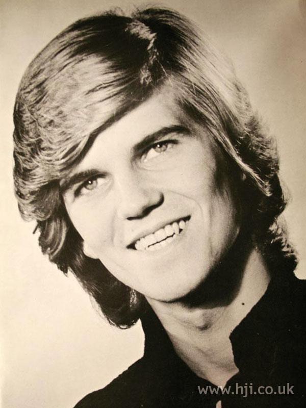 1970s men's layered long hair