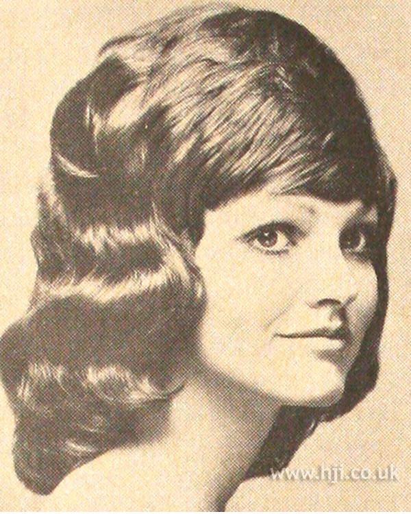 1971 mid length fringe hairstyle