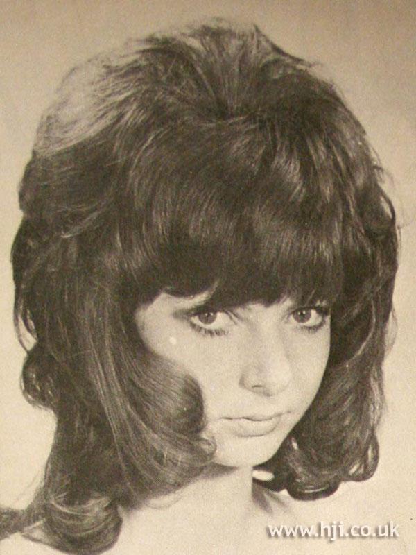 1970s shag cut with fringe