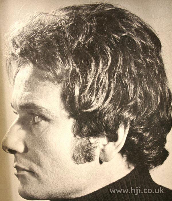 1970s layered men's hair