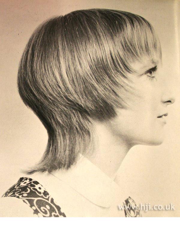 Layered 1970s bob with fringe