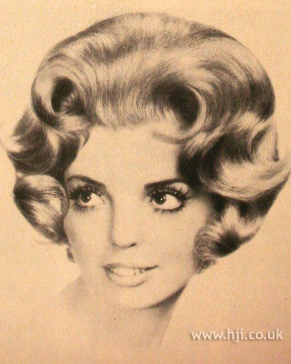 1970s bouffant bob with curls