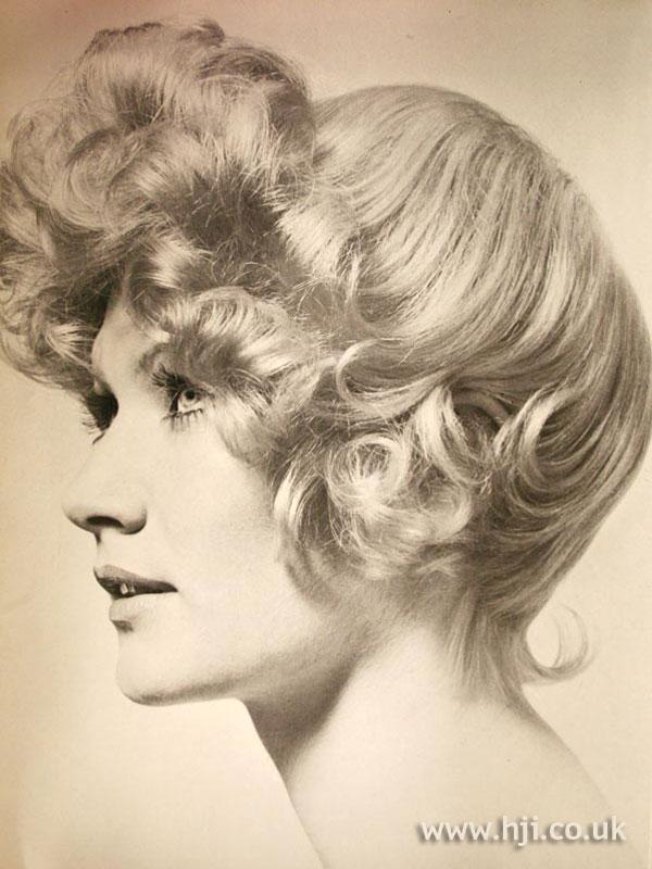 1970s curly quiff bob