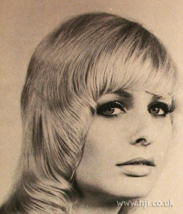 1970s pageboy cut with fringe