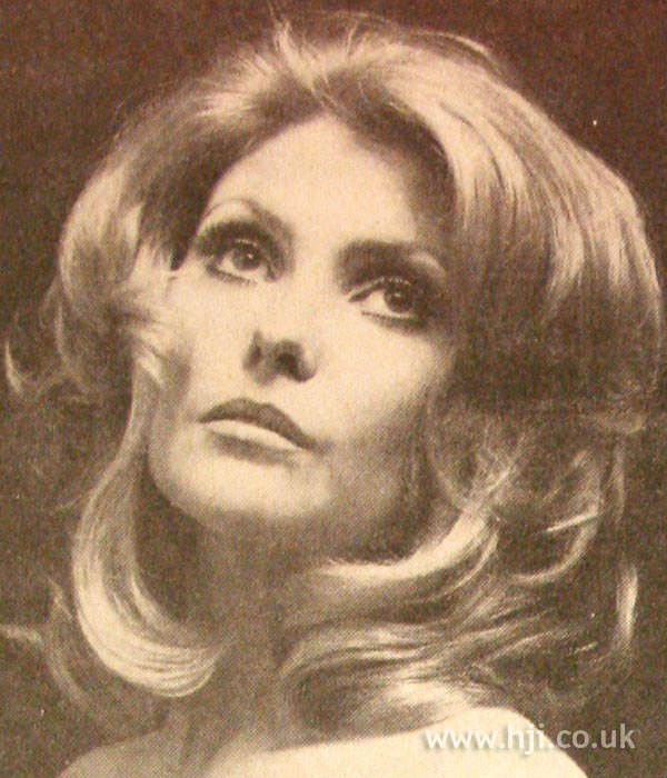 1970s blown-out layered hair