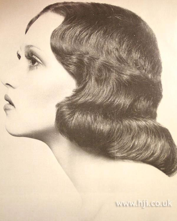1970s long sleek waves