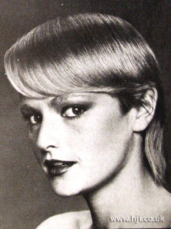 1979 asymmetric blonde hairstyle