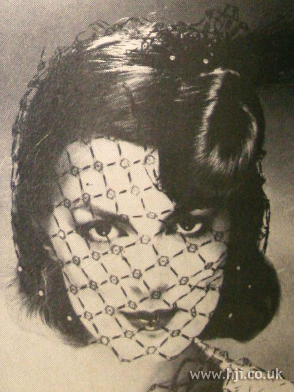 1979 brunette veil hairstyle