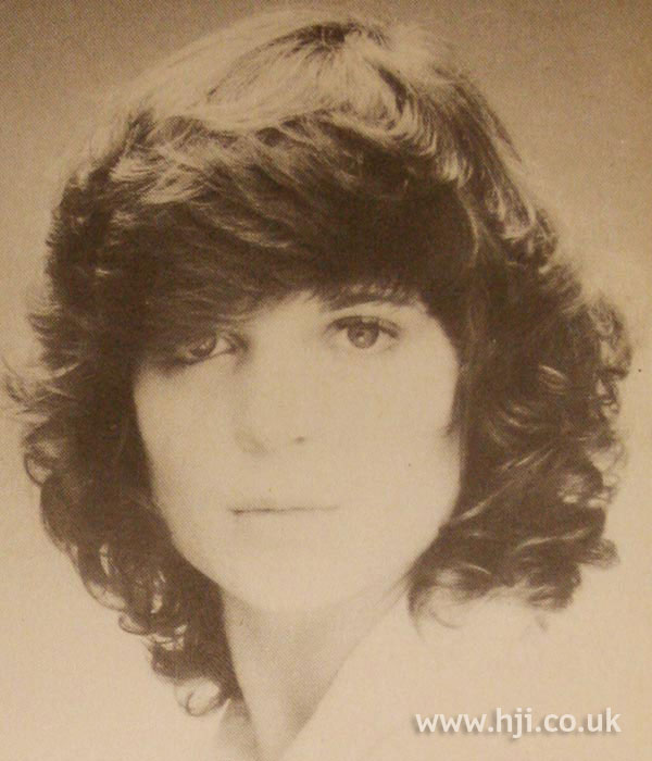Feathered 1970s bob
