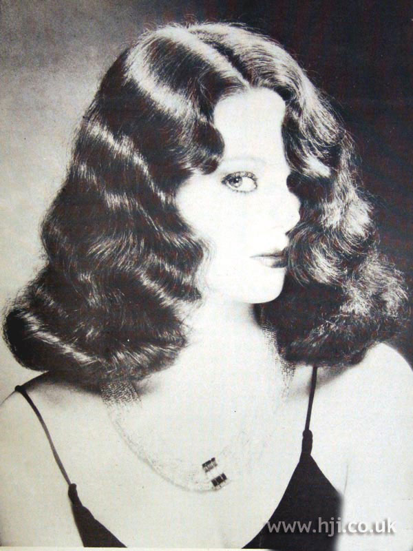 1979 finger waves hairstyle