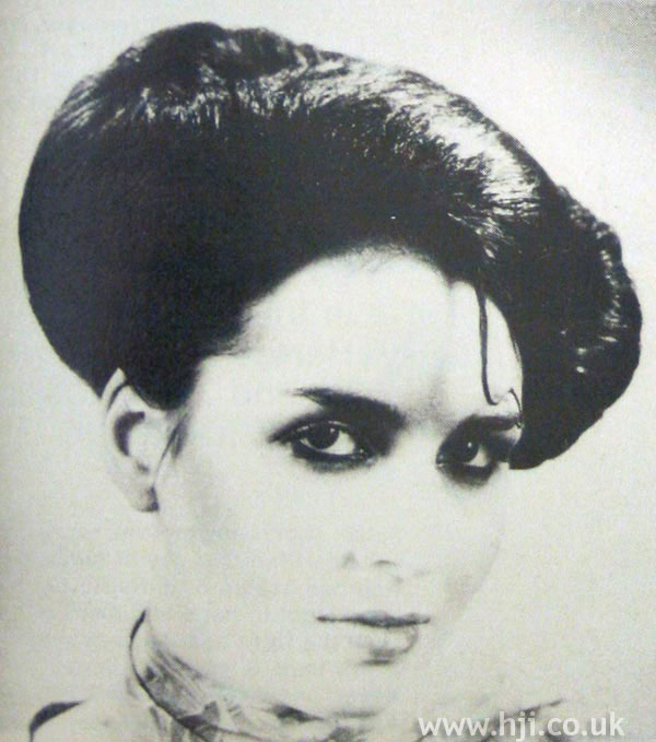 1970s rolled hairstyle