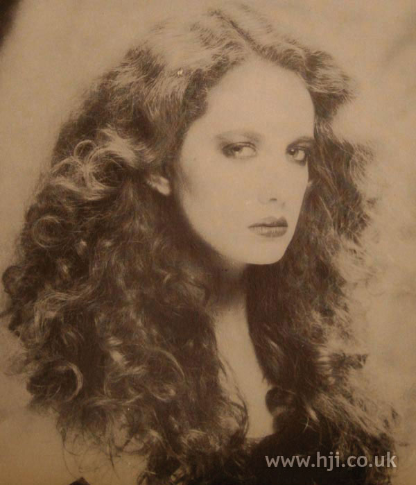 1970s long curly hairstyle