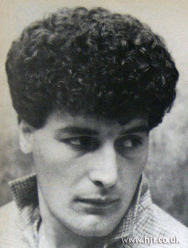 1970s men's permed hairstyle