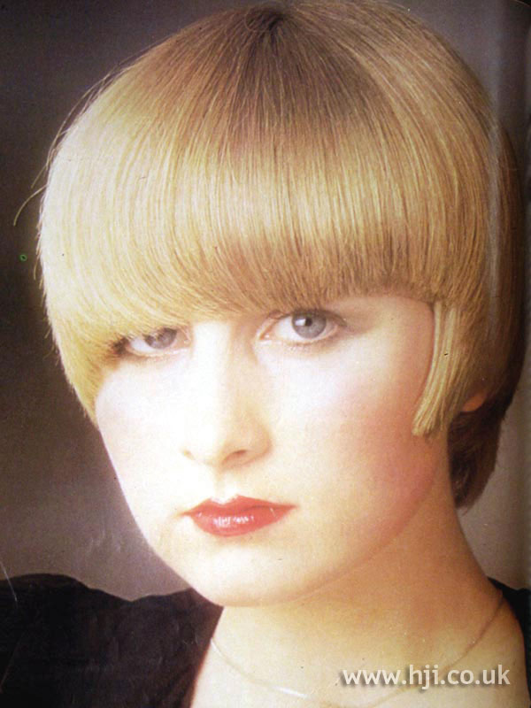 1979 full fringe hairstyle