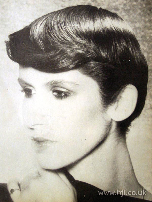 1979 smooth cropped hairstyle