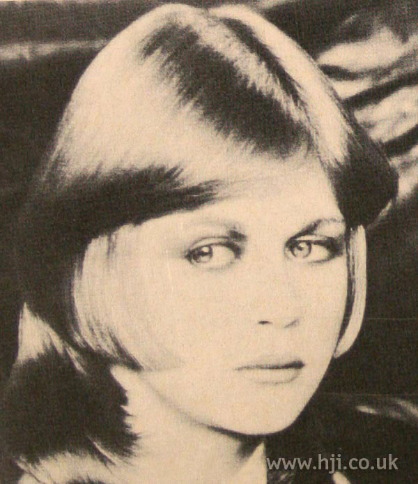 Sleek 1970s layered hairstyle
