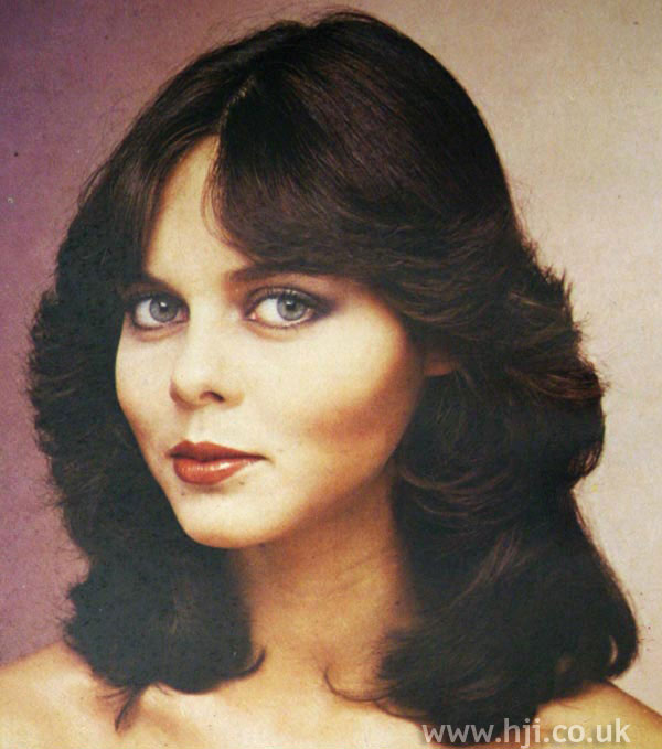 1970s brunette feathered cut