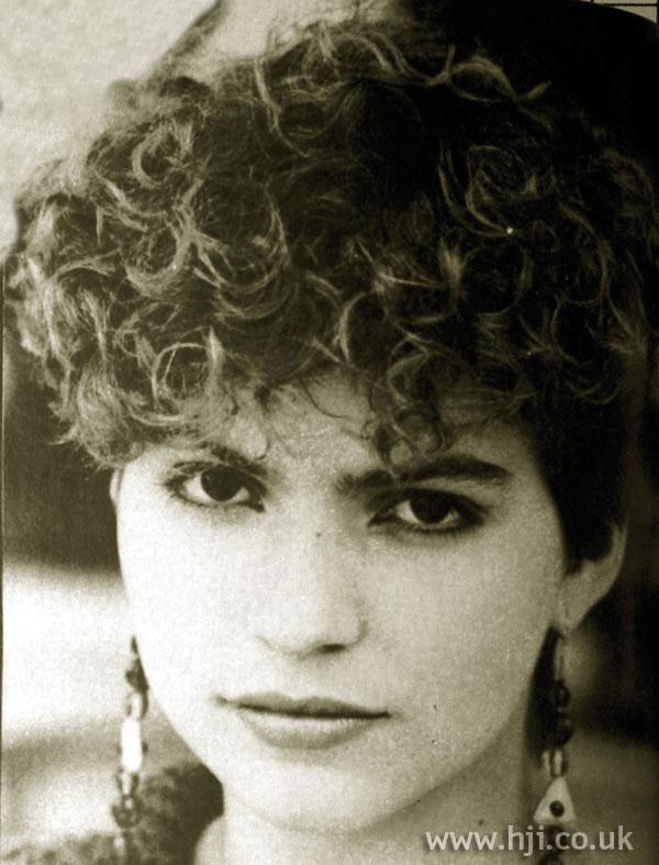 1984 short curls5