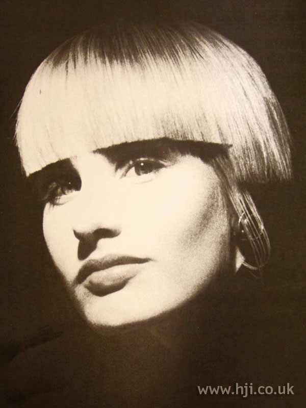 1986 blunt bob hairstyle