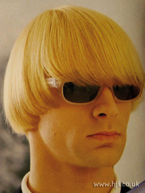 1986 men blonde hairstyle