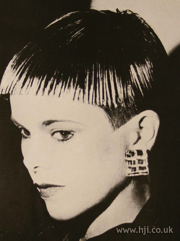 1986 short layers hairstyle