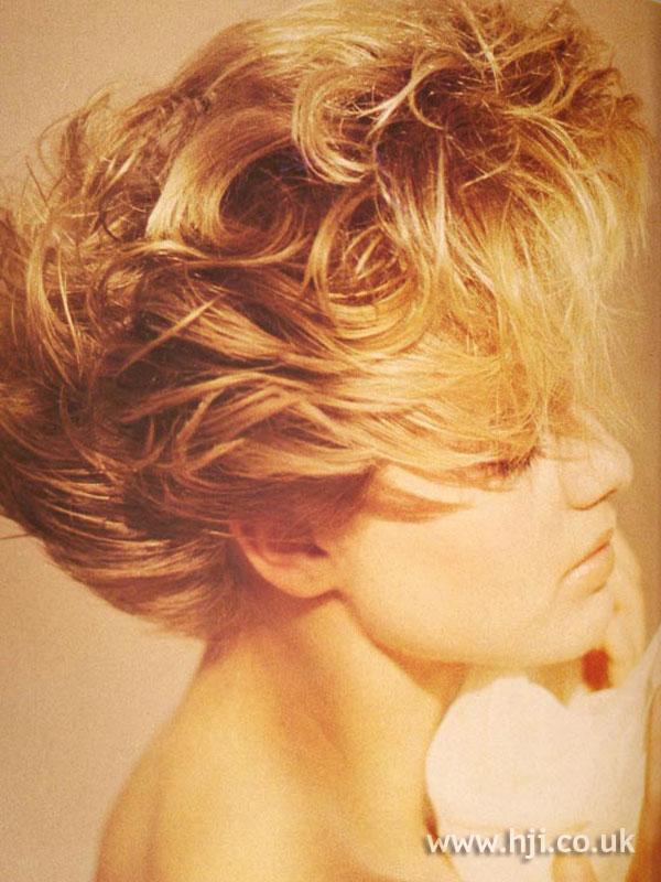 1986 short layered hairstyle
